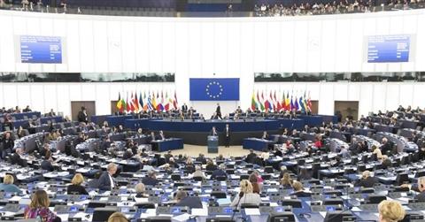 Deputati pagati come a Strasburgo, è bufera sulla proposta Zanda. Pd prende distanze