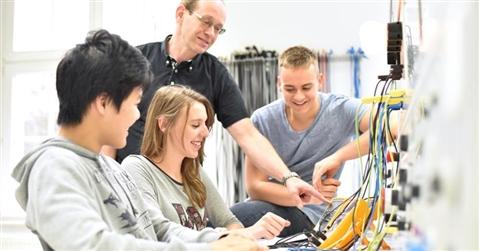 Scuola-lavoro, alternanza al via per mille ragazzi con «TecnicaMente»