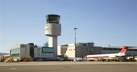 Alitalia e Air Italy firmano la tregua sull'eroporto di Olbia. Salvi i 500 dipendenti