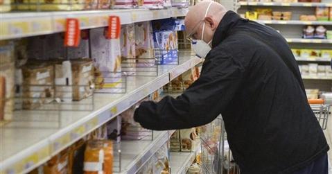 Coronavirus, così le catene reagiscono alla corsa agli acquisti nei supermarket