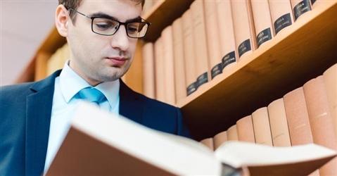 Avvocati in corsa per iscriversi all'elenco di esperti di marchi e brevetti