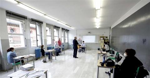 La ricetta per riaprire le scuole: un algoritmo per i posti in classe e finestre aperte (anche d