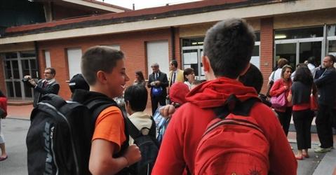 Scuola, nessun reato per il genitore se il figlio lascia senza finire le medie