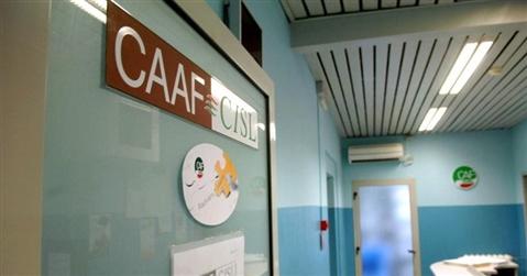 La grande corsa all'Isee per avere i bonus prosciuga i fondi per i Caf