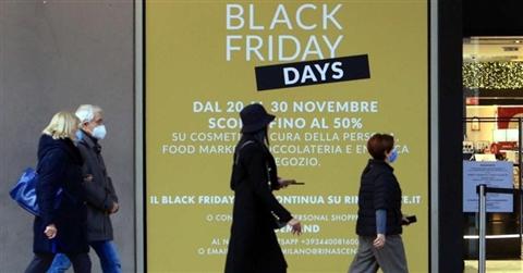 Black Friday, gli italiani spenderanno oltre 1,5 miliardi. Ma i guadagni solo online