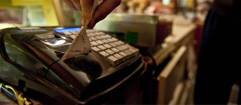 Lotteria degli scontrini, dal 1° febbraio si parte con 10 premi da 100mila euro