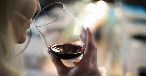 Vino penalizzato dai nuovi messaggi «anti alcol» sulle etichette proposti dalla Ue