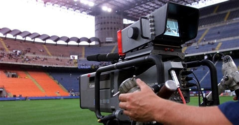 Diritti tv, dai top club no all'offerta dei fondi e sì a Dazn (pesano i diritti d'archivio)