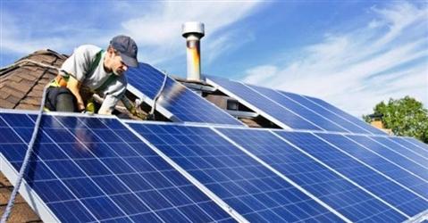 Energia, nelle case italiane arrivano 1 milione di batterie taglia consumi